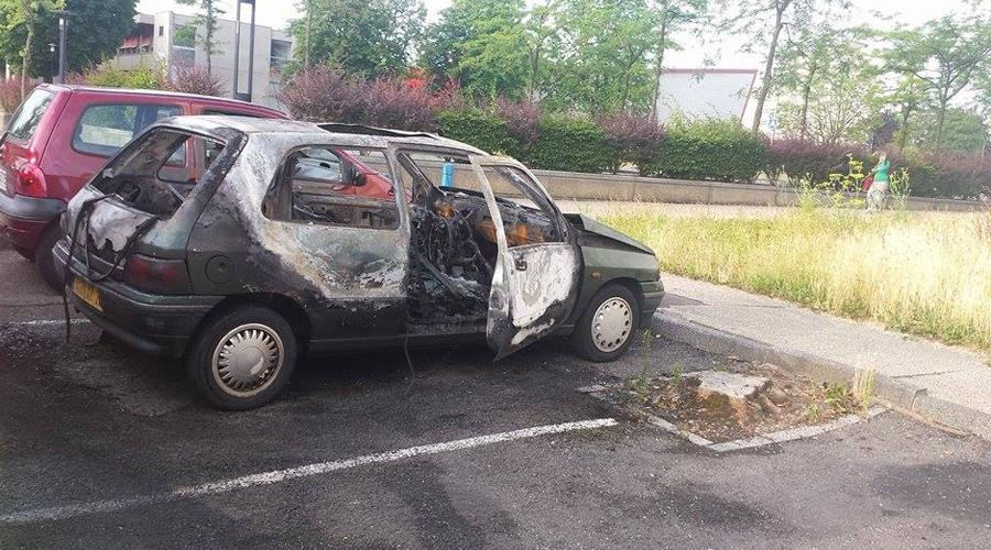 feu-voiture-090715