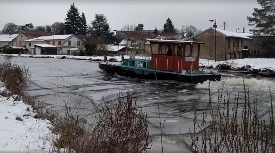 bateau-brise-glace