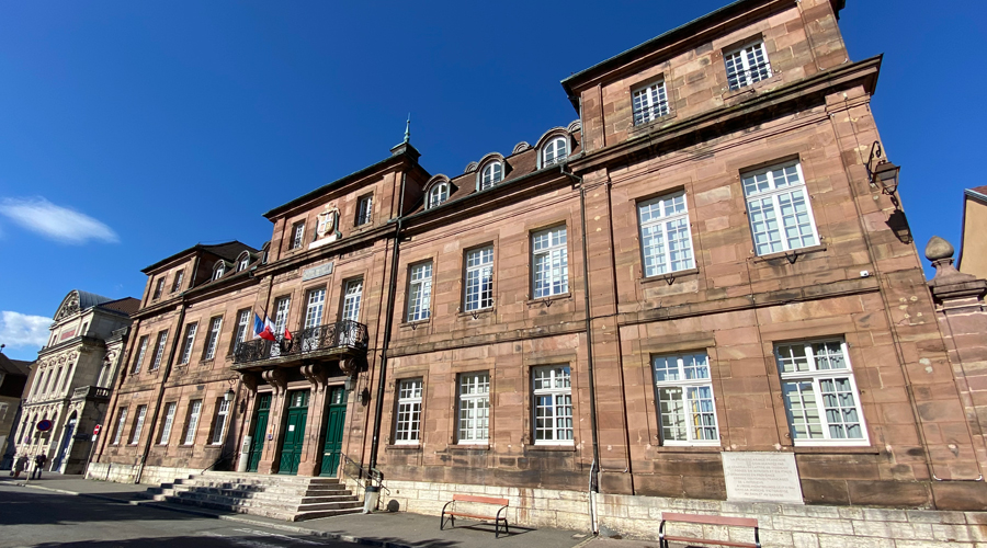 montbeliard-hotel-de-ville-mairie-01